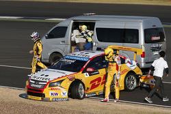 Tom Coronel, ROAL Motorsport Chevrolet Cruze, en Nicolas Lapierre, Lada Sport Rosneft Lada Vesta na