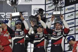 Подиум: Андреа Бертолини, Виктор Шайтар, Алексей Басов, Ferrari 458, SMP Racing, третье место