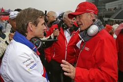 Pascal Vasselon, Toyota Racing director con Dr. Wolfgang Ullrich, jefe de Audi Sport