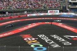 Nico Rosberg, Mercedes AMG F1 W06 et Lewis Hamilton, Mercedes AMG F1 W06
