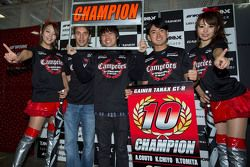 2015 GT300 Şampiyonu Andre Couto, Katsumasa Chiyo, Ryuichiro Tomita, Gainier Tanax