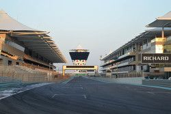 Sekilas pemandangan dari Sirkuit Yas Marina Circuit