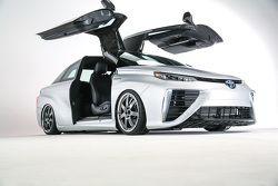 Toyota Mirai Ritorno al Futuro
