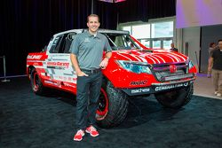 Il Team principal Jeff Proctor con la Honda Ridgeline Baja race truck