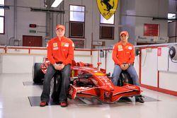 Kimi Räikkönen und Felipe Massa mit dem neuen Ferrari F2008