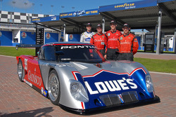 Jimmy Vasser, Jimmie Johnson, Alex Gurney and Jon Fogarty display the team's new color combination for the Rolex 24