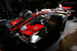 yeni McLaren Mercedes MP4-23