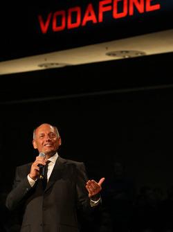 Ron Dennis en el escenario