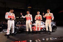 Playing ve mobile phones, Gary Paffett, Test Pilotu, McLaren Mercedes , Lewis Hamilton, McLaren Merc