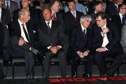 Dr. Dieter Zetsche, director de Daimler, Ron Dennis, Bernie Ecclestone y Norbert Haug