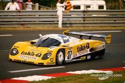 #37 Toyota Tom's Team, Toyota 89 CV: Johnny Dumfries, Geoff Lees, John Watson