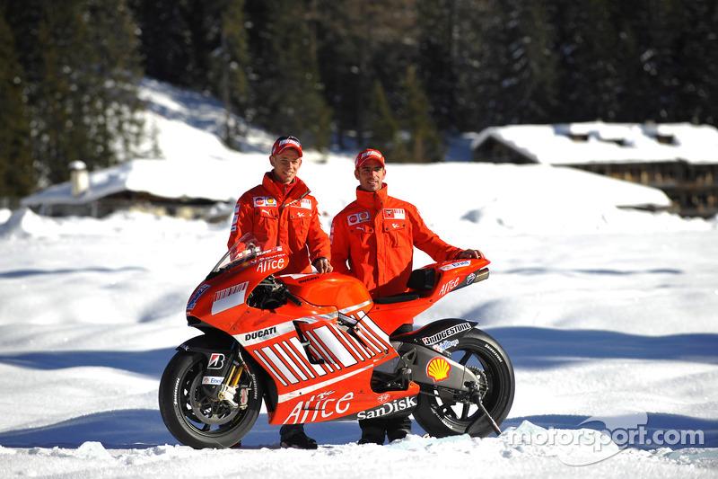 2008: Desmosedici GP8 (Кейси Стоунер и Марко Меландри)