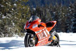 Новый мотоцикл Ducati Desmosedici GP8