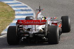 Pedro de la Rosa test ediyoryeni McLaren Mercedes MP4-23