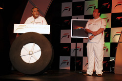 Vijay Mallya CEO Kingfisher ve Dr Colin Kolles Force India Takım Patronu