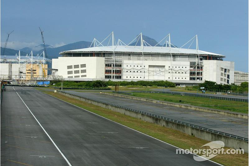Трасса в Рио и после этого продолжала принимать местные гонки, но ее участь оказалась незавидной – автодром был уничтожен для возведения спортивных объектов Олимпиады-2016
