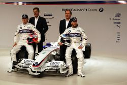 Robert Kubica and Nick Heidfeld, Willy Rampf, BMW-Sauber, Technical Director and Dr. Mario Theissen,