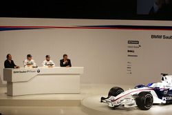 Robert Kubica, Nick Heidfeld, Willy Rampf, BMW-Sauber, Technical Director and Dr. Mario Theissen, BM