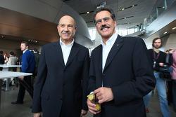 Peter Sauber ve Dr. Mario Theissen, BMW Sauber F1 Team, BMW Motorsport Direktör