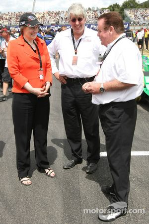 Helen Clark, Prime Minister of New Zealand, David Claire and Alan Jones, Seat Holder of A1 Team Australia
