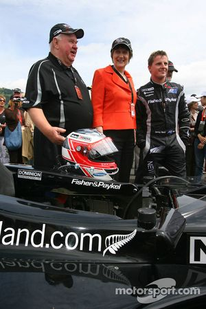 Colin Giltrap, Seat holder of A1 Team New Zealand with Helen Clark, Prime Minister of New Zealand and Jonny Reid, driver of A1 Team New Zealand