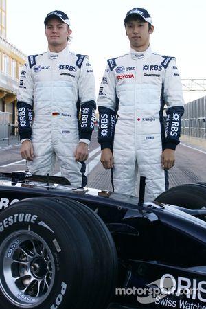 Williams F1 takım fotoğrafıshoot: Nico Rosberg, WilliamsF1 Team ve Kazuki Nakajima, Williams F1 Team