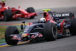 Sebastian Vettel, Scuderia Toro Rosso, Kimi Raikkonen, Scuderia Ferrari, F2008