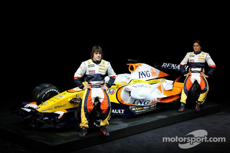 Презентация Renault F1 в Париже, 2008 год