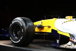 Renault F1 R28: Vorderrad