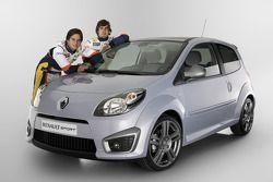 Fernando Alonso, Renault F1 Team, Nelson A. Piquet, Renault F1 Team and Renault Sport Products