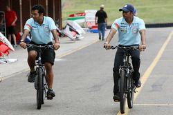 Vinit Patel and Narain Karthikeyan, driver of A1 Team India