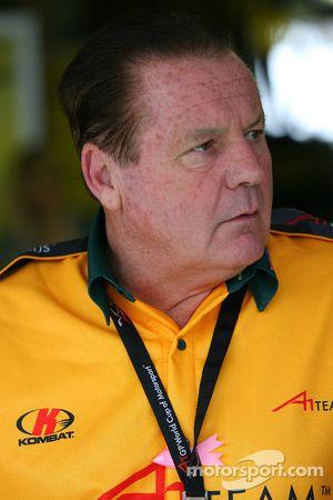 Alan Jones, titulaire du siège de l'écurie A1 Australie