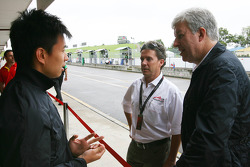 Congfu Cheng, driver of A1 Team China with David Clare and Pete da Silva