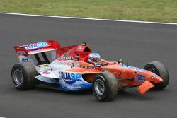 Jeroen Bleekemolen, driver of A1 Team Netherlands, broken front wing