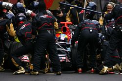 Sébastien Bourdais, Scuderia Toro Rosso during pitstop