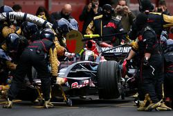 Sebastian Vettel, Scuderia Toro Rosso during pitstop