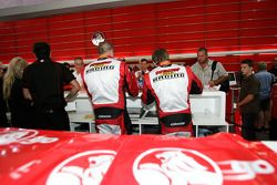 Russell Ingall, Paul Morris signing autographs