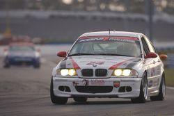 V-Pack Motorsport BMW 330 : Sam Schultz, Jason Workman
