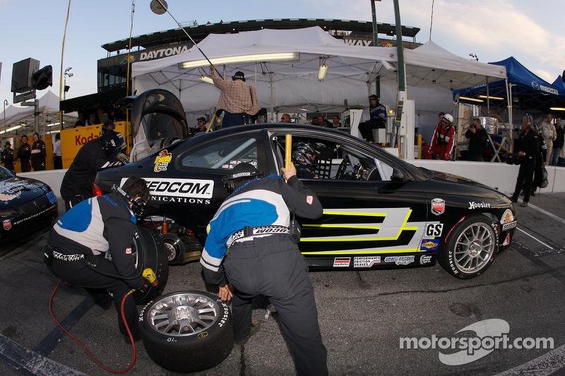Pit stop for #9 Spirit of Daytona Racing Pontiac GTO: Bryan Collyer, Doug Goad