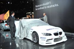 Bobby Rahal unveils the new Rahal Letterman Racing BMW M3 LM GT2