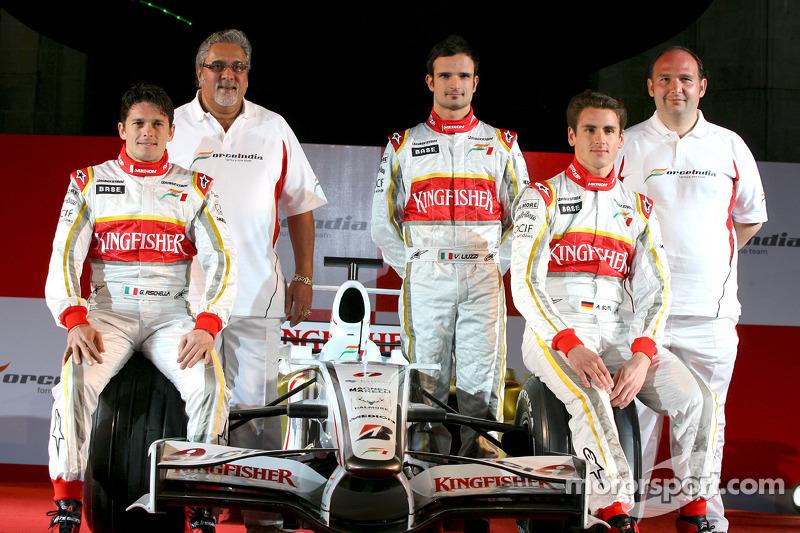 Giancarlo Fisichella, Vijay Mallya, Adrian Sutil, Vitantonio Liuzzi y Dr Colin Kolles, Force India F1 Team Manager