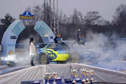Podium: fourth place Petter Solberg and Phil Mills