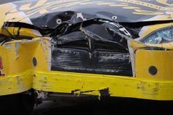 Heavy damage on the Dodge of Terry Jones