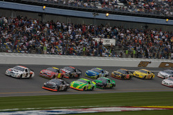 Dexter Bean and Ricky Stenhouse Jr. lead a group of cars