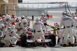 Jarno Trulli, Toyota Racing, TF108, during a pit stop