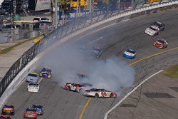 Steve Wallace, Johnny Sauter, Kevin Harvick and Kasey Kahne crash out of turn 4