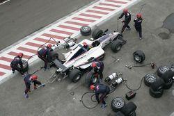 Pitstop for Romain Grosjean