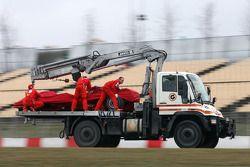 Felipe Massa, Scuderia Ferrari, F2008 spins off the track