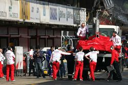 Timo Glock, Toyota F1 Team, TF108 spins off the track