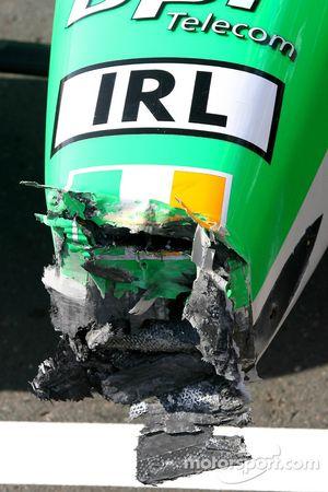 A1 Team Ireland, damaged nose cone